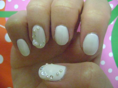 Nail Art Designs with pearl/rhinestone ...