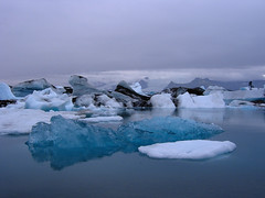 Pezzi di ghiacciaio / Glacier pieces (AndreaPucci) Tags: mare ghiaccio ghiacciaio islanda andreapucci
