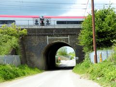 Great Train Robbery (R~P~M) Tags: uk bridge england train britain buckinghamshire bridges rail railway railways bucks biggs greattrainrobbery lmr jackmills westcoastmainline wcml ronniebiggs 40126 cheddington ledburn bridegobridge brucereynolds d326 bridge127
