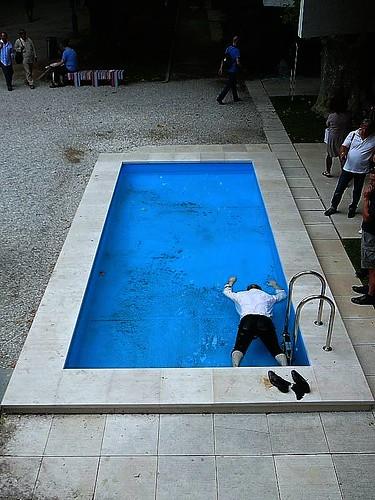 """ELMGREEN & DRAGSET """"death of a collector"""" @La Biennale 2009(53.Esposizione Internazionale d'Arte) Venezia 6/o6/2009 por Strifu."""