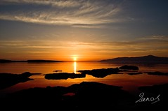 Good morning heaven (Panos Mavromytis - ) Tags: morning sun mountain black water yellow clouds sunrise reflections island greek gold rising islands rocks earlymorning greece reflect rays paro greekislands soe paros cyclades thesun clearwater morningclounds crystalclear impressedbeauty ysplix waterrays