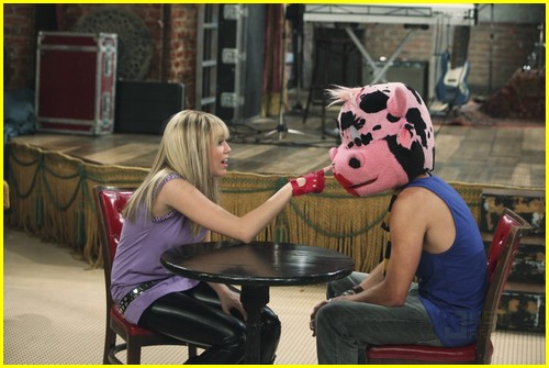 miley-cyrus-cody-linley-one-05