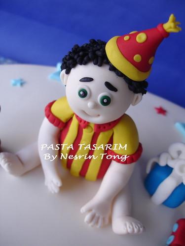 1ST BIRTHDAY CAKE - TAN