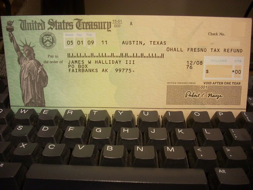 tax refund checks are being phased out by tax refund debit cards