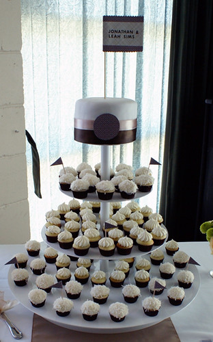 Cocounut and Lemon Minis Wedding Cupcakes
