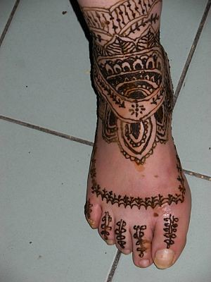 Henna tattoo-foot and ankle design