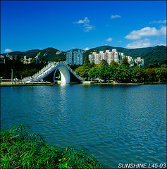 L45-03-08100393----- (sunshine) Tags: taiwan              120hasselblad sunshine