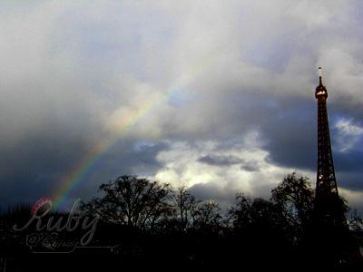 Eiffel tower_01_rainbow