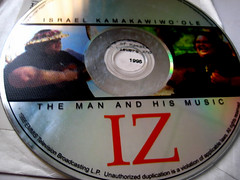 Israel Kamakawiwo'ole: The Man and His Music (...