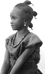 Africa in the early 1940s (gbaku) Tags: pictures africa girls portrait art girl portraits hair children photo necklace do child photos native african kunst femme picture earring hairdo style ring rings photographs photograph ear tropical styles afrika historical earrings artifact artifacts femmes necklaces artefact africain afrique ethnography geschichte ethnology artefacts africaine ethnologie classicblackwhite afrikas