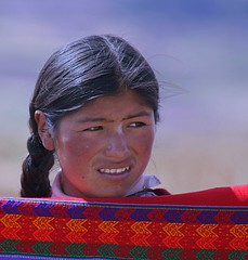 Quechuan girl selling blankets (adameros) Tags: peru girl delete10 delete9 delete5 delete2 delete6 delete7 delete8 delete3 delete delete4 save save2 teen blanket andes quechua