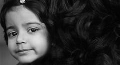 mommy's girl (nandadevieast) Tags: travel india girl hair mom anuragagnihotri nandadevieast