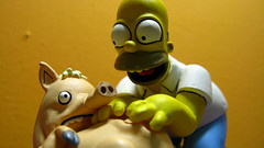 Spiderpig y Homero 0652 (MOiSTER) Tags: wallpaper macro closeup widescreen homer thesimpsons fondodeescritorio spiderpig puercoaraa