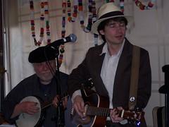 2009-04-11 Jug band Seder 022