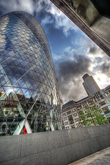 the gherkin | swiss re tower in the city of lo...