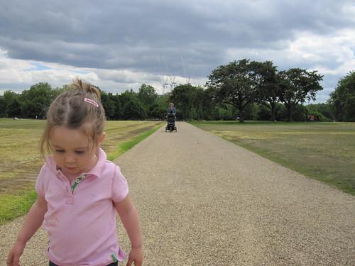 Walking Hyde Park (4 of 4)