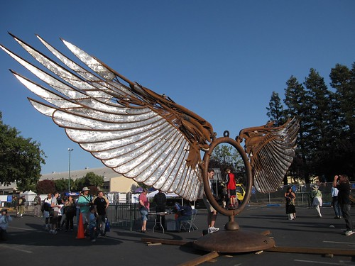 Giant Wings