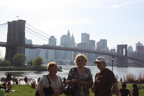 Sue, Lynne, Pauline and the Brooklyn Bridge