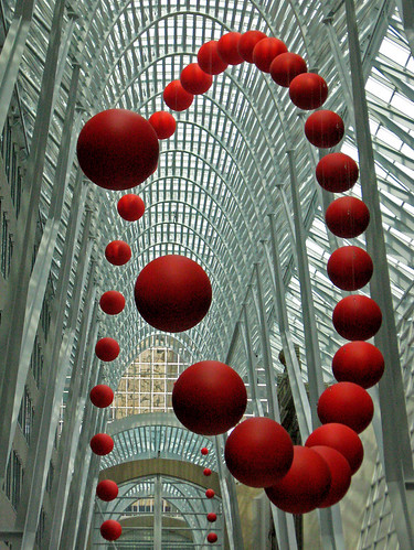 David Rockebys iLong Wave/i installation is unmissable at Brookfield Place (photo by Craig Moy).