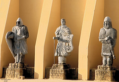 Tres Reyes (Di Gutti (diegogutierrez79@gmail.com)) Tags: espaa photo sevilla spain seville andalucia explore kings estatua hdr reyes gettyimages sanjosdelarinconada diegogutierrez sevillan  sanjosedelarinconada        sevillban