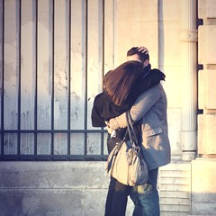 Love in Paris (or anywhere else) (t.t@o) Tags: street city winter 2 people urban cinema paris love canon square interestingness interesting couple hiver capital culture pop lovers explore concorde metropolis 20 february popular 2009 edithpiaf cty carr cinma amoureux urbain populaire personnage iciparis explored detoimoi carrment jetembrasse tumefaistournerlatte loveinthecity monmangemoicesttoi riendeneuf unesaisonsansfin situtiensmonsac perdrehaleine jesuistoujourslafte quandtumetiensdanstesbras moncinma