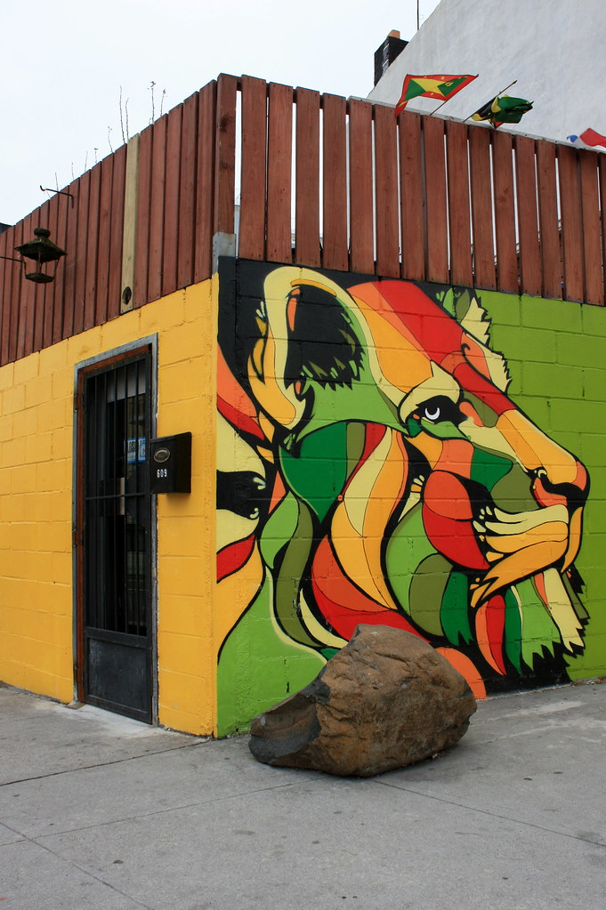 Natty Garden Lion (Luna Park) Tags: Nyc Ny Newyork Wall Brooklyn Painting  Restaurant
