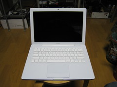 MacBook White 6/7