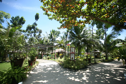 Samal Paradise Island huts