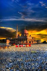 Sunset - times for Maghrib... (Sasuhai) Tags: sunset nikon explore malaysia exploreinterestingness hdr putrajayamosque d90 masjidputrajaya sasuhai