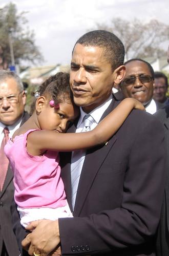 Barack Obama and daughter Sasha in Nairobi, Kenya in 2006