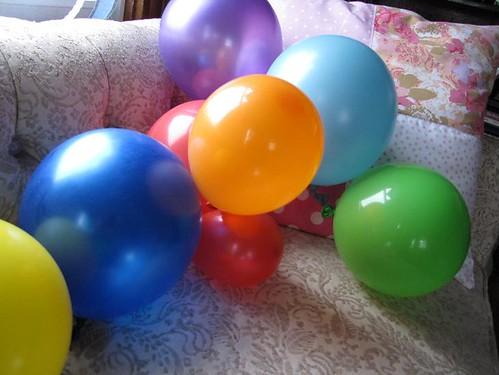 cinco balloons 2
