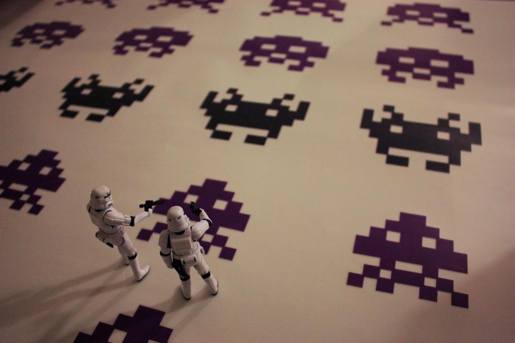 Space Invaders VS Stormtroopers