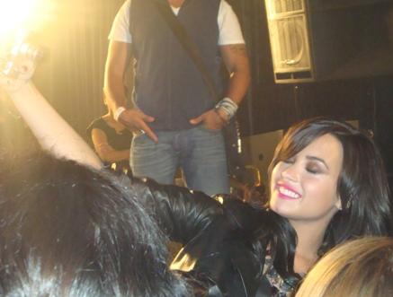 demi-goes-again (4)