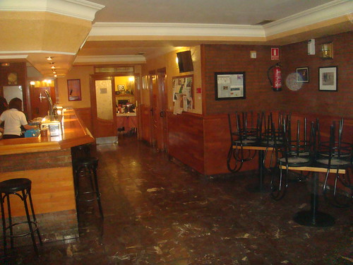 Barra con el bar del restaurante