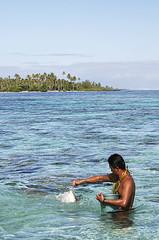 013 (thi.g) Tags: ocean 2005 travel holiday canon french eos polynesia shark paradise 300d pacific feeding islander motu thig southsea borabora thilogierschner