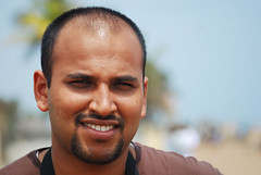 Skandaprasad Seetharaman, Poompuhar, TN (Ravages) Tags: travel sea people india man male portraits fun person bay faces places roadtrip ravages tamilnadu individual indianness chandrachoodang bayofbengaltamil