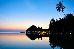 (muha...) Tags: travel blue winter sunset sea summer sky black reflection travelling tourism water pool bar hawaii evening country swimmingpool maldives sillhouette muha huvafenfushi muhaphotos