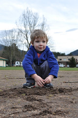 Dirt (Jeff Youngstrom) Tags: boy playground nathan issaquah memorialfield