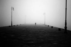 Cosa c' di pi audace che svegliarsi ogni mattina ed andare verso l'ignoto... (ojosdiele) Tags: fog nebbia trieste moloaudace sospesi ojosdiele