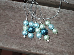 Pearly stitch markers
