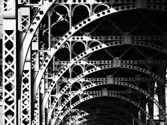 Arches Within Arches (CarbonNYC [in SF!]) Tags: 125th 125thstreet 125thst 125 support structural supports arch arches industrial nyc ny newyork newyorkcity manhattan carbonnyc carbonsf