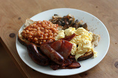 Full English (Igor Clark) Tags: food english breakfast mushrooms bacon beans toast egg full sausages eggs feb bakedbeans fullenglishbreakfast scrambledeggs baked fullenglish