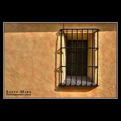 Terracotta (Salva Mira) Tags: window ventana grid reja flickr finestra kdd terracota pasvalenci reixa qdd salvamira trobadaflickr eixidetes eixidetespelpasvalenci adzbia