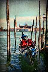 O Sole Mio (sminky_pinky100 (In and Out)) Tags: travel venice italy classic texture water landscape boat scenic gondola tf personalbest osolemio 5photosaday bej mywinners omot eyejewel texturedtrsors