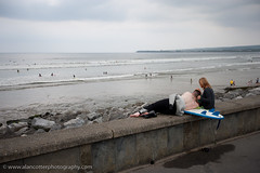 Chill (Alan Cotter) Tags: woman man beach relax couple surf break surfer chill lahinch alancotter