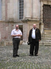 FreD et Phil, Toulouse. (Only Tradition) Tags: gay france bears frana frankrijk toulouse francia francie fatbelly frankrig frankrike fransa franza ranska franciaorszg francuska php franczsko francija  prantsusmaa frana pranczija   farantsa
