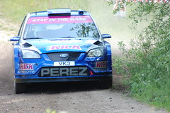 Dukeries Rally 2009 Thieves Wood (dave millers photos) Tags: ford focus rally steve wrc 2009 perez dukeries