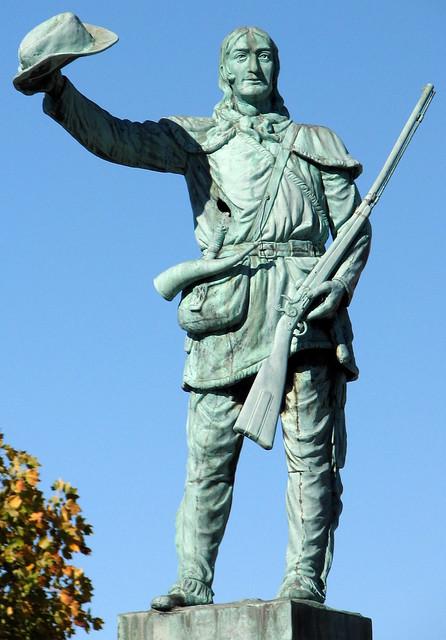 Davy Crockett Statue 2
