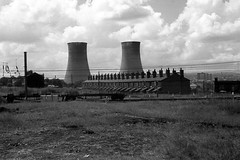 Ince-in-Makerfield again (Fray Bentos) Tags: lancashire powerstation wigan coolingtowers terracedhouses inceinmakerfield westwoodpowerstation kayshouses
