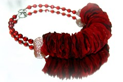 "halssieraad; ""RODE ROZEN EN GRANATEN"" // neckpiece; ""RED ROSES AND GARNETS"" (Anne-Miek Bibbe) Tags: red fashion beads handmade oneofakind nederland jewelry jewellery collar rosepetals mode rood sieraad handwerk garnets kralen ketting neckpiece bibbs handmadejewelry uniek bibber bibbe granaten rozenblaadjes annemiekbibbe handmadebyannemiek bibbsbeadsandbuttonswithbellson bibbsbeadsandbuttonswithbellsonnecklace ambrozentuin annemagicdesign"